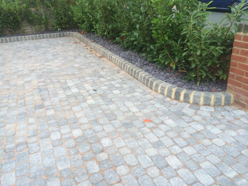 Image 5 - Aura paving in silver fleck