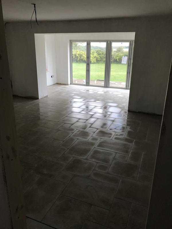 Image 27 - Tiling