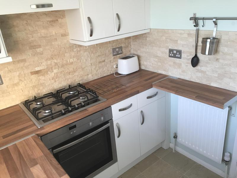 Image 27 - Tiling kitchen walls