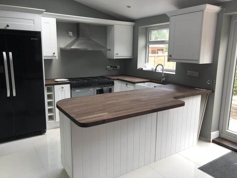 Image 18 - Newly fitted kitchen with wenge wood worktops
