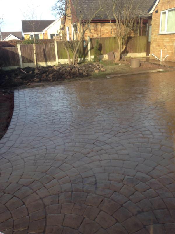 Image 38 - imprinted concrete driveway Eastwood