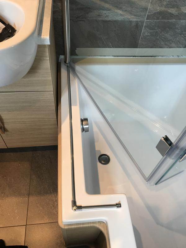 Image 28 - Shower Screen Fitted