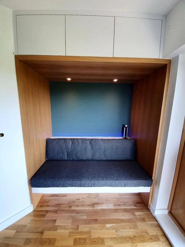 Image 7 - Kitchen Bench Unit