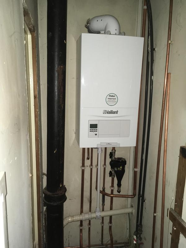 Image 35 - New Glow-worm boiler fitter in Brentwood.