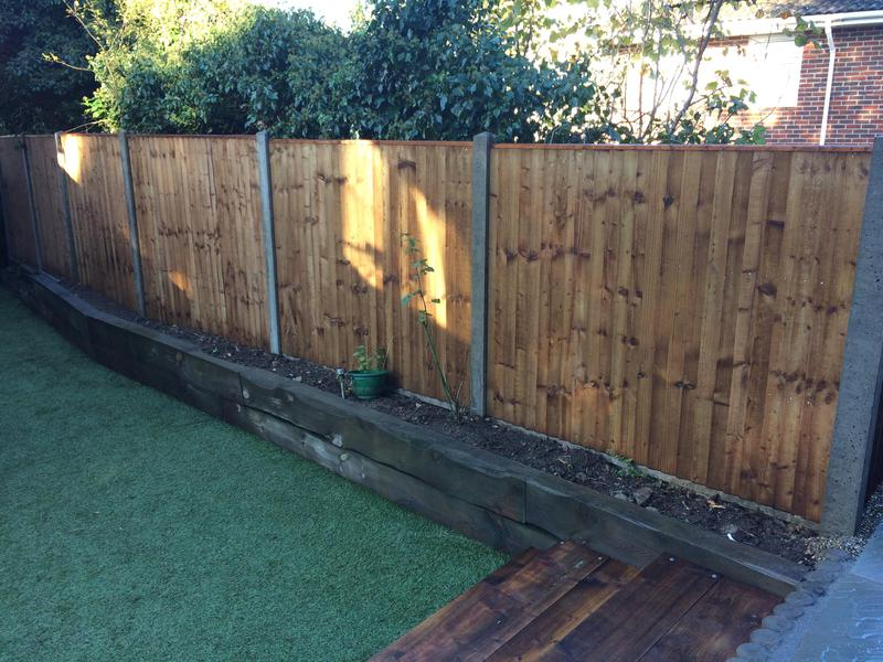 Image 194 - New fencing concrete post and gravel boards