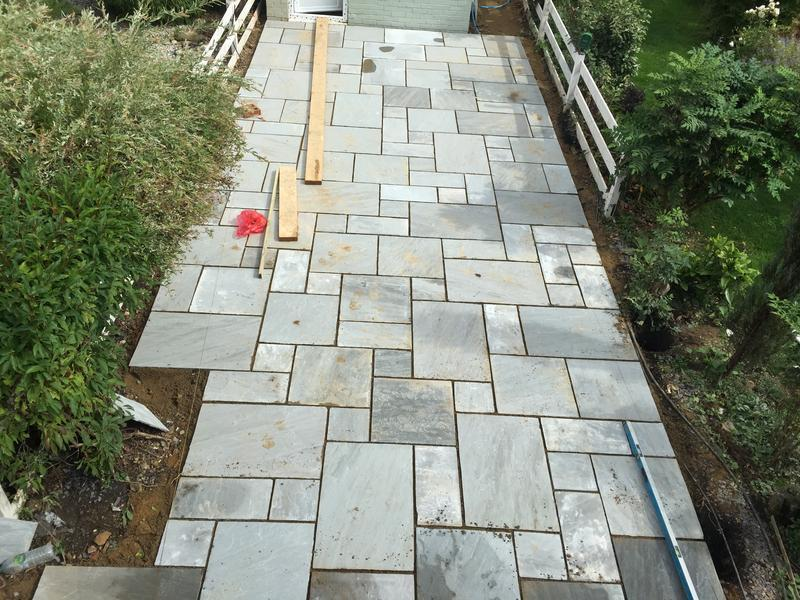 Image 18 - kandla grey sandstone during laying with modified laying pattern