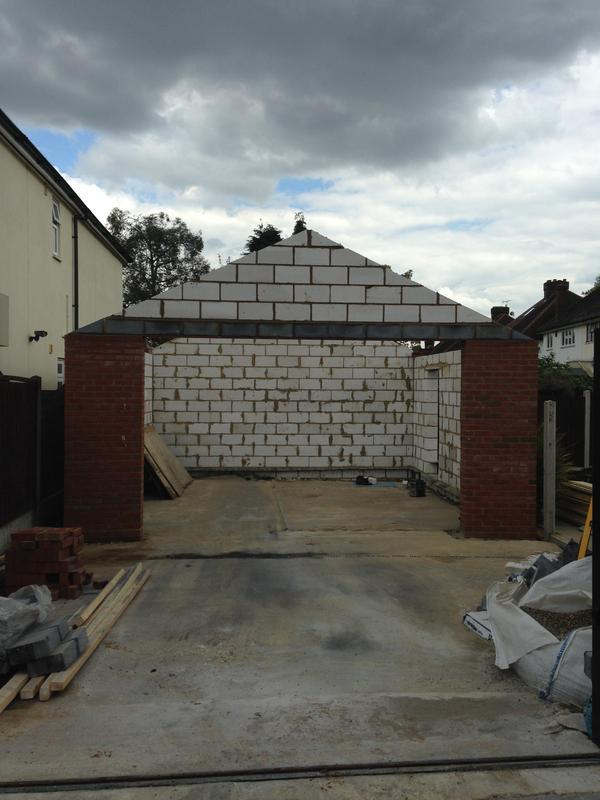 Image 36 - Brick shell for a garage
