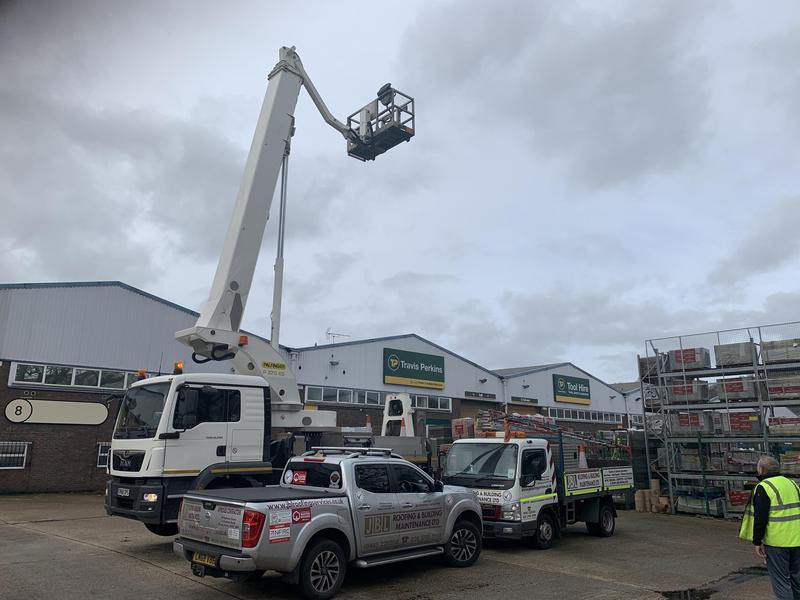 Image 54 - 37 meter working height truck mounted cherry picker access platform for hire