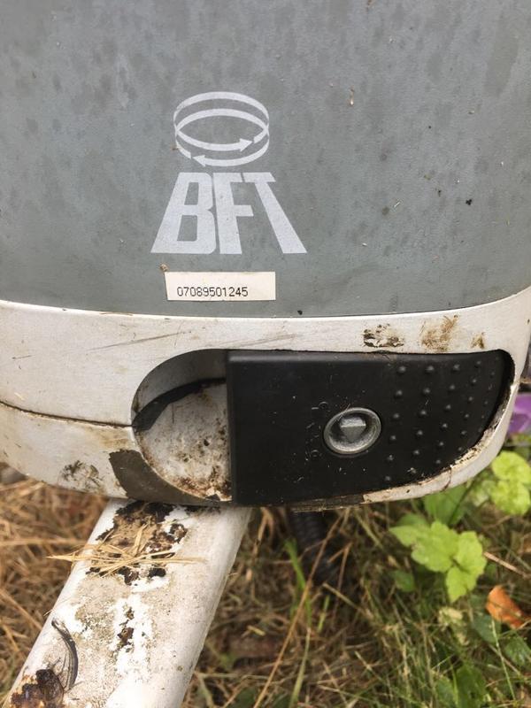 Image 44 - Faulty gate motor