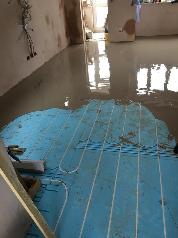 Image 78 - Underfloor floor heating install in progress