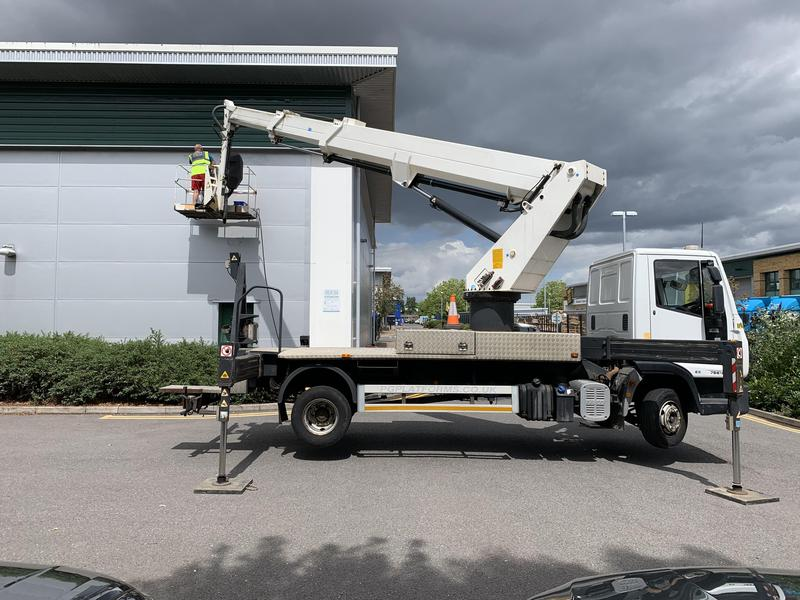 Image 28 - Truck mounted access platform available for hire 24/7 365 day's a year day and night  22 meter working height with 17 meter's of lateral outreach