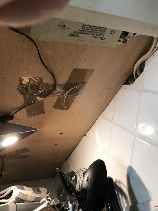 Image 6 - Old under cabinet lights in kitchen