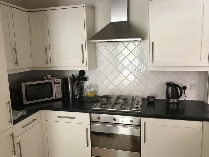 Image 3 - Kitchen cabinet lights before