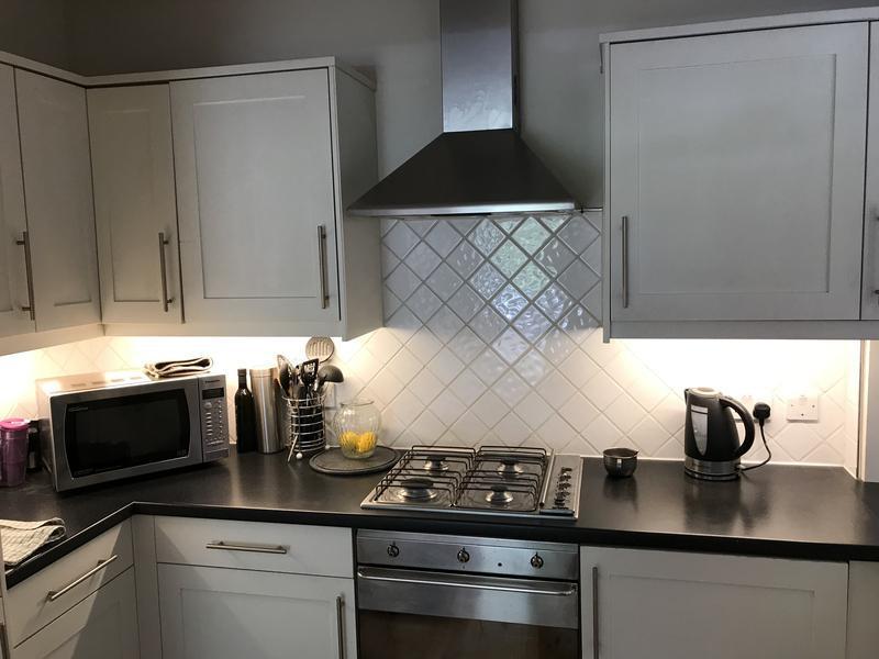 Image 4 - Kitchen under cabinet lights After