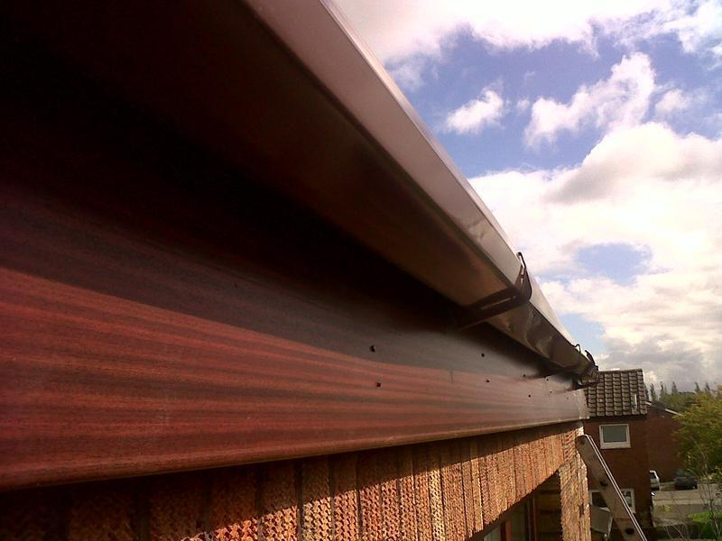Image 3 - the woodgrain fascia with brown guttering