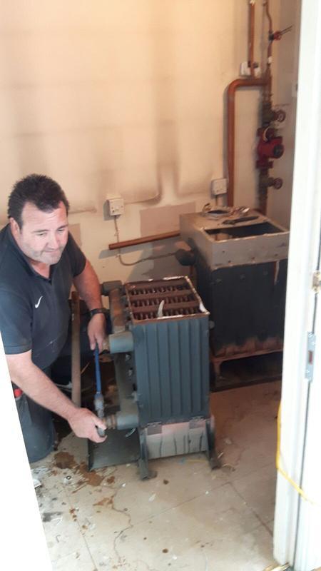 Image 3 - Dismantling old boilers