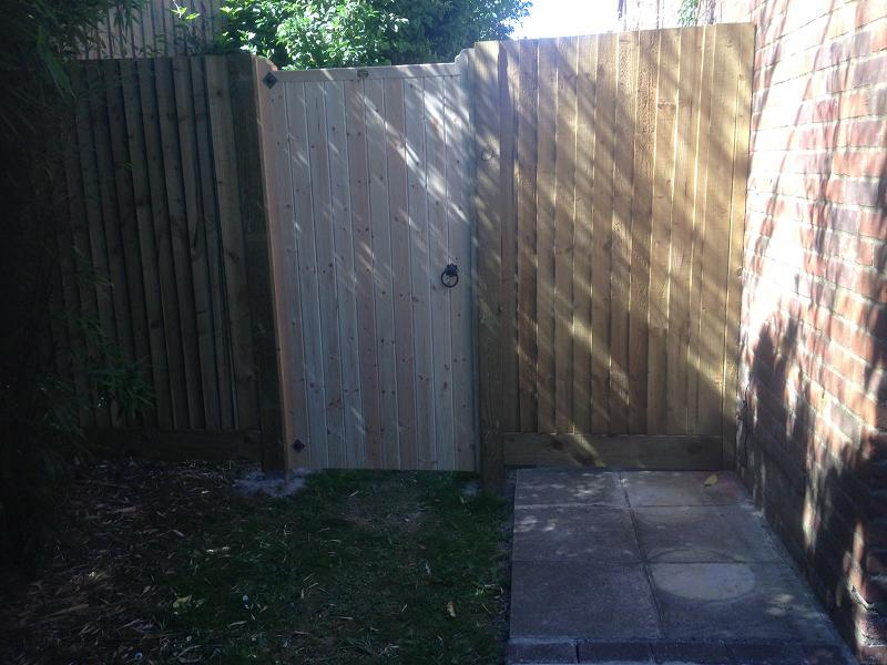 Image 32 - Fencing with standard gate .