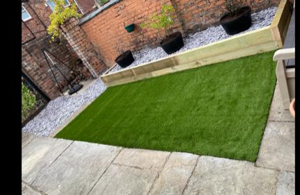 Image 18 - small artificial lawn - after