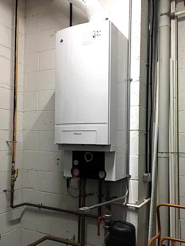 Image 4 - Worcester Bosch GB162 100kw Commercial Boiler