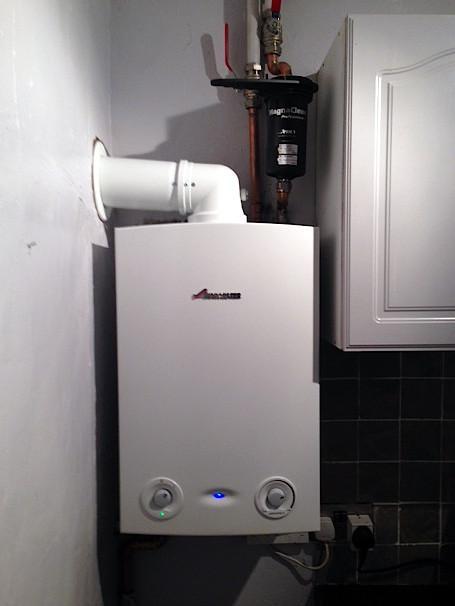 Image 31 - Worcester Bosch 30kw RI boiler