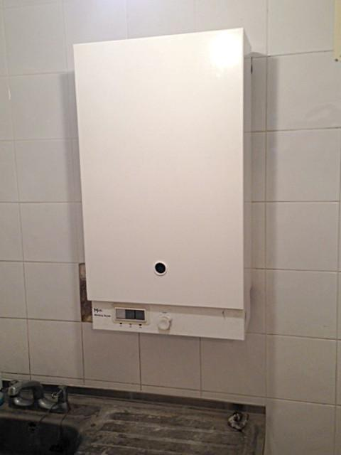 Image 54 - Main Instantaneous Gas Water Heater