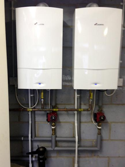 Image 53 - 2x Worcester Bosch 30kw System Boilers