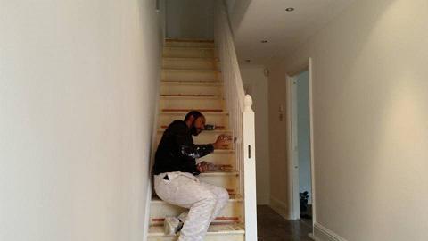 Image 3 - Landing stairs gloss