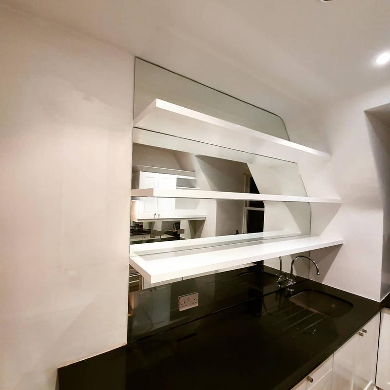Image 43 - Floating shelves / Mirrors