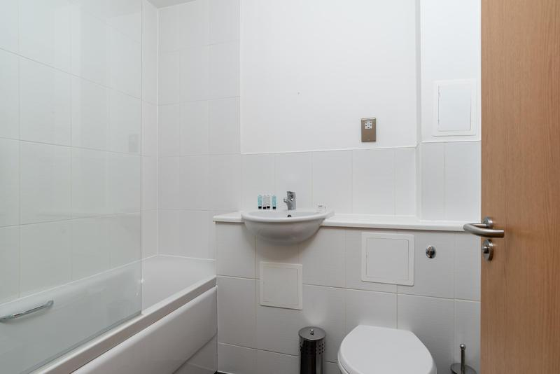 Image 8 - Full bathroom refit