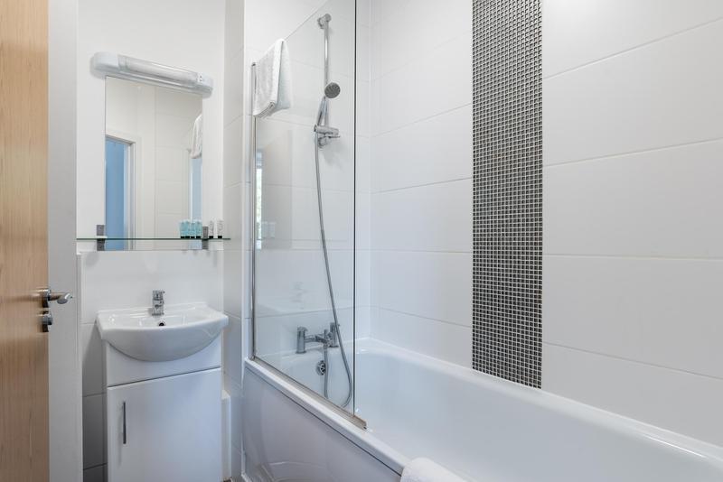 Image 5 - Full bathroom refit