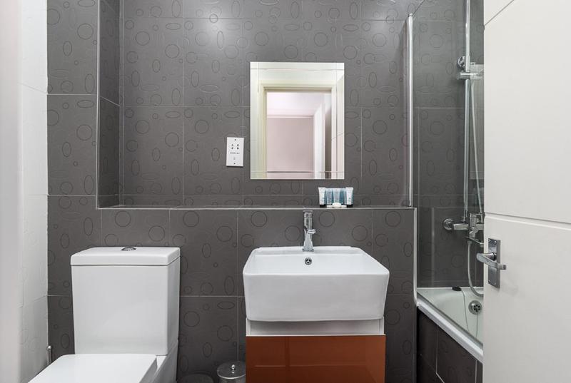 Image 6 - Full bathroom refit