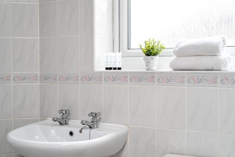 Image 7 - Full bathroom refit
