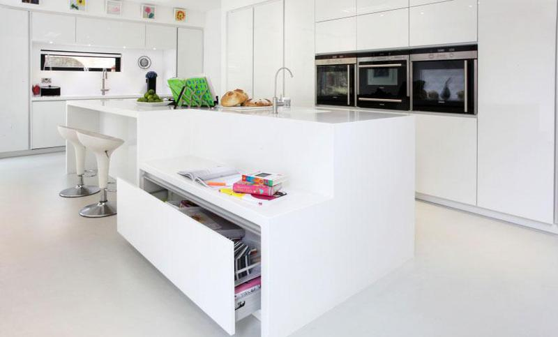 Image 18 - Gloss white kitchen and solid surface worktops