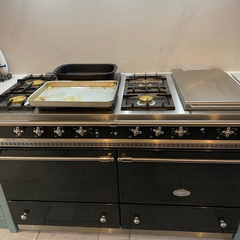 Image 1 - Nat Gas Range Cooker