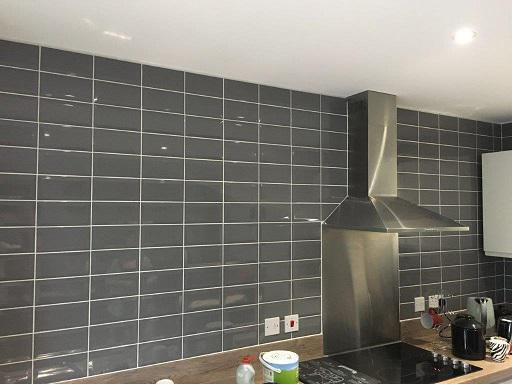 Image 13 - Tile kitchen