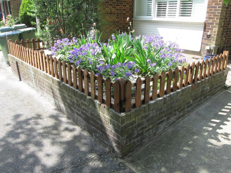 Image 98 - Small picket fence on wall