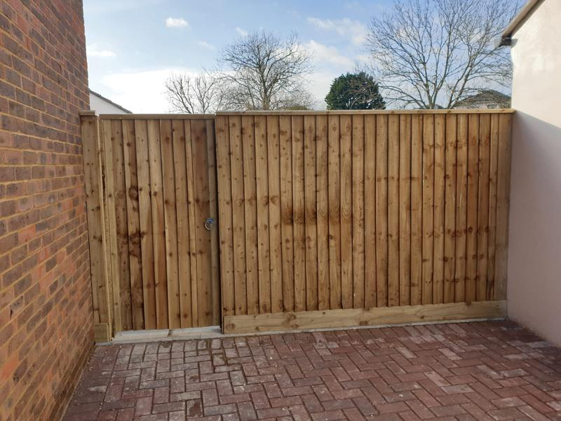 Image 178 - Closeboard fencing with closeboard gate to match
