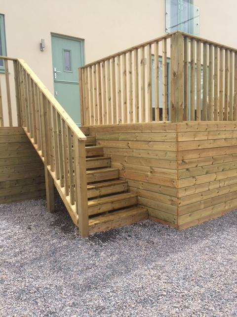 Image 222 - Large new decking area with steps and handrail, Lamyatt