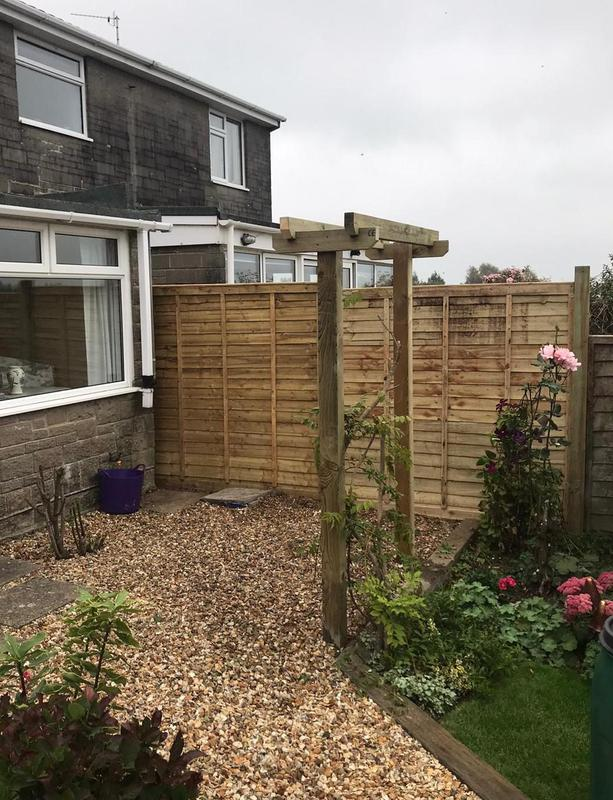 Image 24 - New lap panels and pergola structure, Templecombe