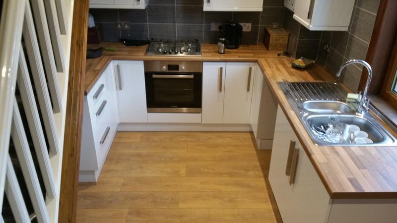 Image 84 - oak laminate flooring