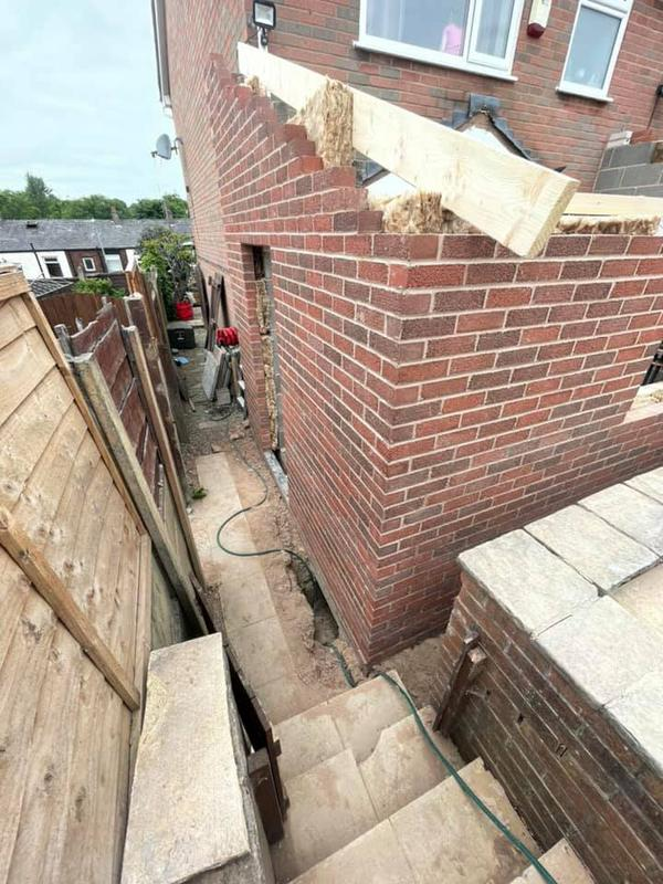 Image 99 - Oldham extension - During - Brickwork done, now ready for roof frame.