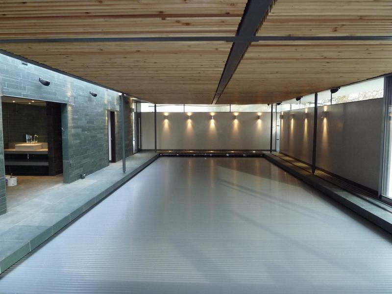 Image 14 - Indoor swimming pool
