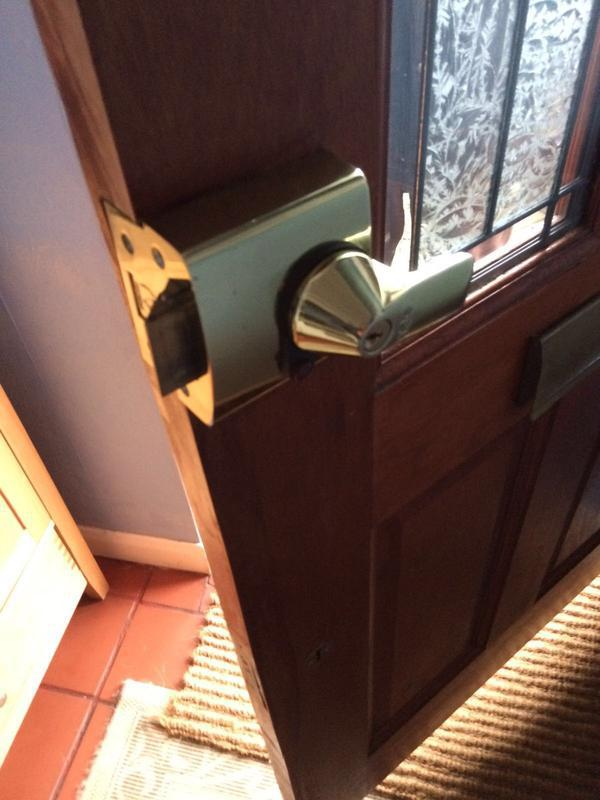 Image 2 - Yale PBS High Security Nightlatch Fitted In Rush Green