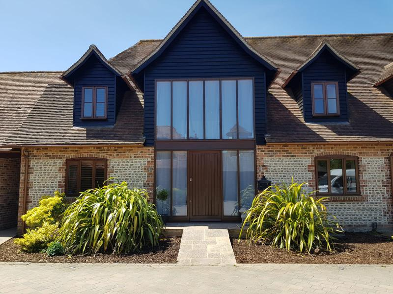 Image 2 - Sussex Barn Style House Exterior redecoration