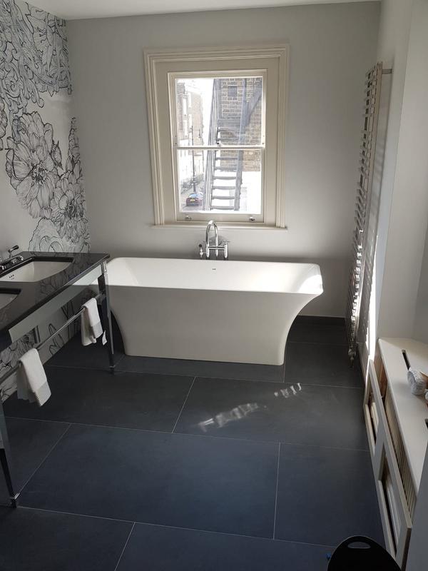 Image 22 - Wallpaper (bathroom)