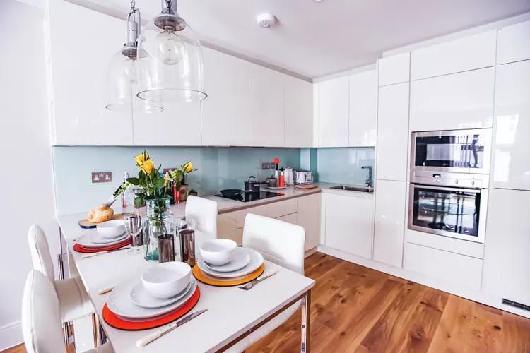Image 14 - Hackney Kitchen Installation