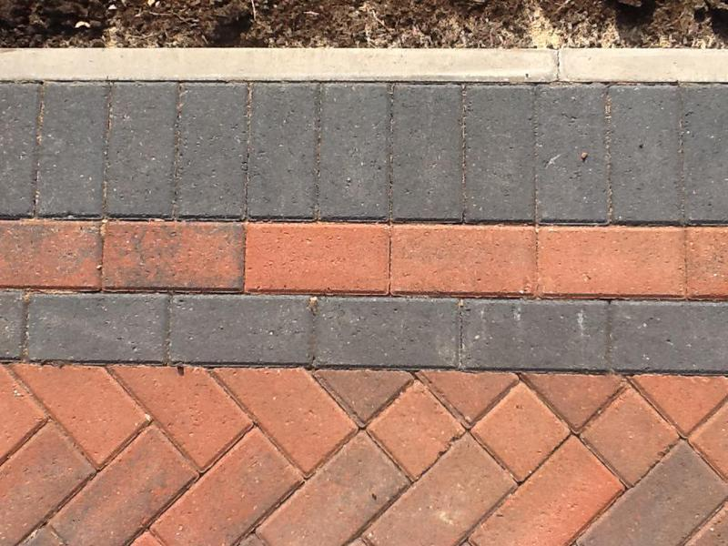 Image 42 - All our drives are laid with edging flattop edging kerbs where nessesary
