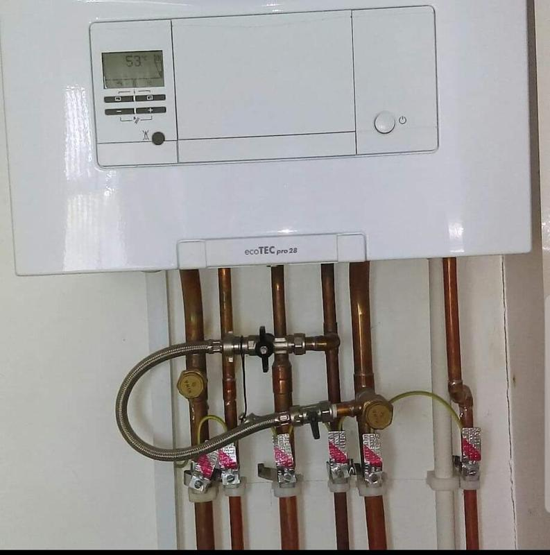 Image 4 - Valillant ecotec pro 28kw high efficiency combi boiler installed with 5 year warantee , other boiler models are available with various options warantee and price .