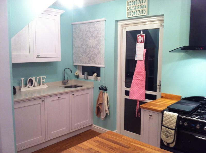 Image 84 - Painted Oak framed kitchen