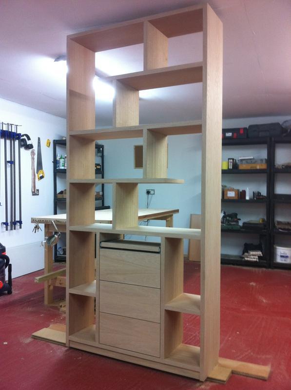 Image 89 - A free standing Oak veneer bookcase